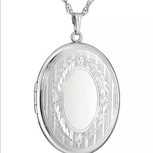 Jewelry - Sterling Silver Locket Necklace